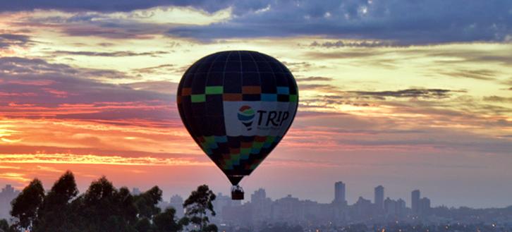 Quer voar de balão? Então conheça o passeio de balão sobre a praia de Torres!