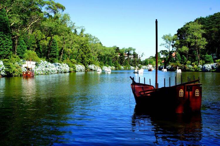 Lago negro - carnaval em Gramado